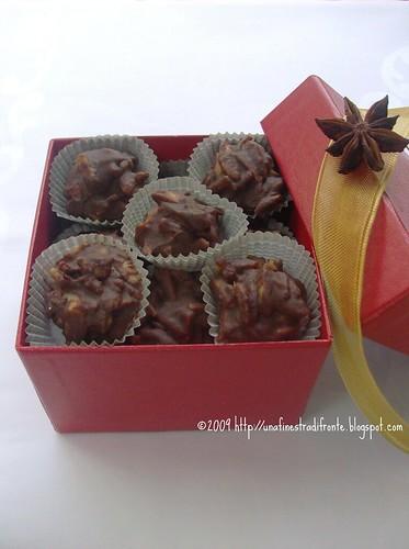 Praline di cioccolato con mandorle e anice stellato