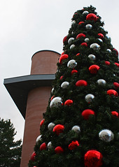 Christmas Tree (Argentem) Tags: christmas red tree green silver mall shoppingcentre exeter greetings princesshay baubles