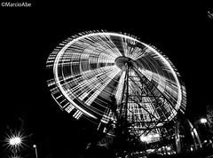 Osaka Ferris Wheel (Marcio Abe) Tags: longexposure bw wheel night ferris osaka
