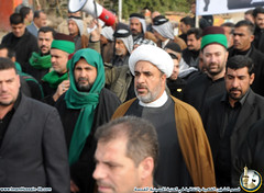 مسؤول قسم الشؤون الفكرية في العتبة الحسينية المقدسة يشارك الجموع الرافضة لعودة البعثيين