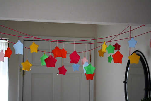 Felt Shape Garland Tutorial