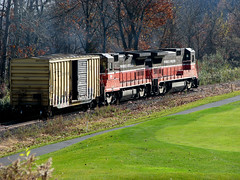 Providence & Worcester Train Passing the TPC (rbglasson) Tags: train golf connecticut cromwell fga otw tpcriverhighlands canons5is