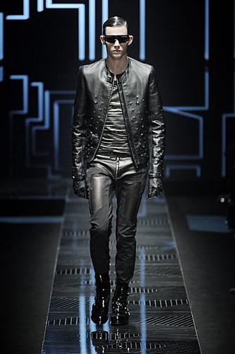 Tom Nicon3117_FW10_Milan_Versace(nikestav10@mh)