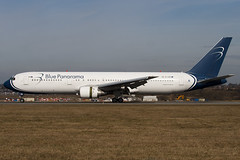 EI-CZH - 29435 - Blue Panorama Airlines - Boeing 767-3G5ER - Luton - 100316 - Steven Gray - IMG_8460