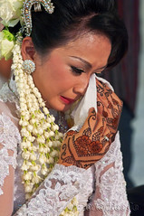 Cry of happiness (T Ξ Ξ J Ξ) Tags: wedding portrait indonesia crying jakarta nikkor d300 mywinners abigfave teeje anawesomeshot