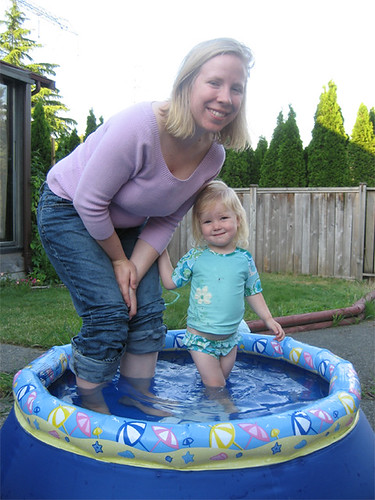 Hannah and Mom hang out in the pool