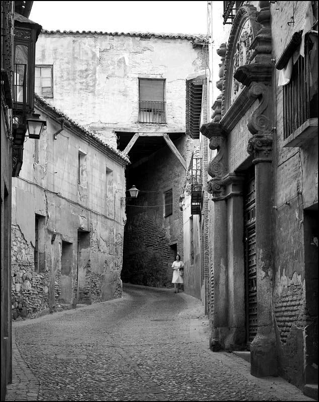 Cobertizo cerca del Colegio de Doncellas en Toledo en 1982. Fotografía de John Fyfe