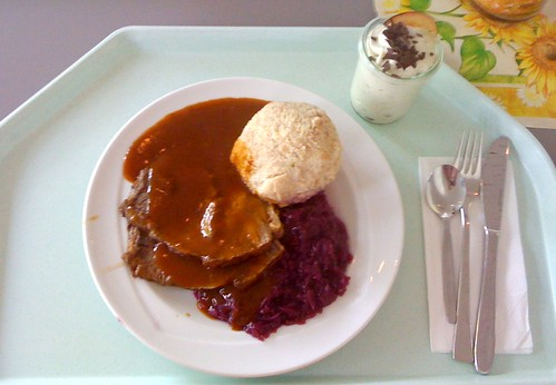 Sauerbraten mit Semmelknödel & Blaukraut / marinated beef with dumpling & red cabbage