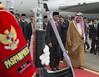 خادم الحرمين الشريفين يصل إلى إندونيسيا في ثاني محطاته الآسيوية (ahmkbrcom) Tags: إندونيسيـا الأردن السفارةالسعودية الصين الملكسلمانبنعبدالعزيـز اليابان جاكرتا ماليزيا