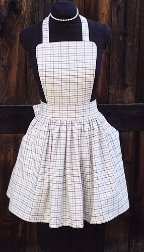LUCY bibbed retro apron in plaid