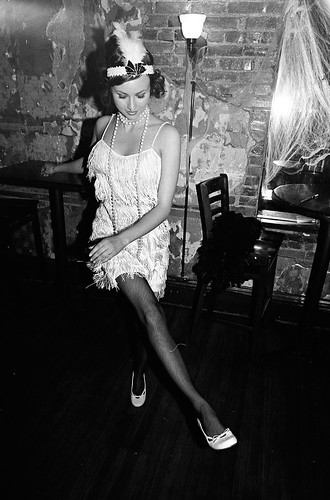 1920s: Speakeasy Dancer