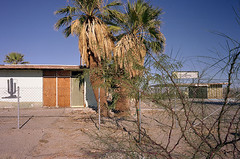 abandoned motel in Salton City (by: John Brownlow, creative commons license)