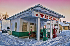 Texaco in the Snow (Pete Zarria) Tags: iowa gasstation texaco petroliana