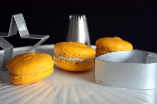 passionfruit macaron
