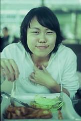 (NAICHI) Tags: film nikon friend fujifilm 100 fm2 sensia 餐廳 彰化 下午茶 福田 正沖 籬騷
