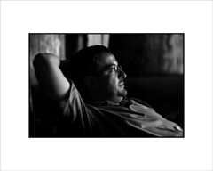 Arturo (Jose Luis Durante Molina) Tags: portrait people bw blancoynegro familia relax persona retrato calma hombre descanso claroscuro pensamiento relajado pelahustanies joseluisdurante