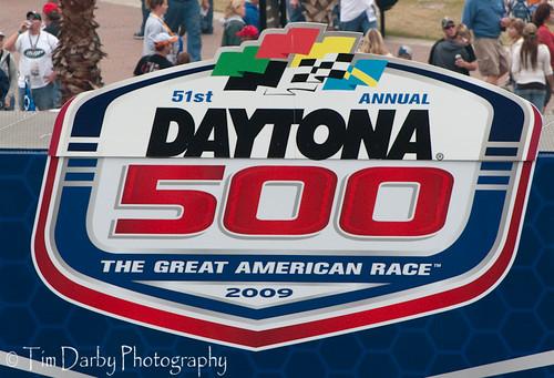 09022009-02-15 Daytona 500034-12
