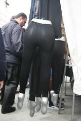 maniqu con leggins colgado cual jamn (olgaberrios) Tags: madrid rastro maniqu leggins
