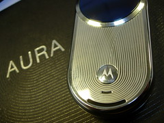 Contrefaçon d'un téléphone Motorola Aura