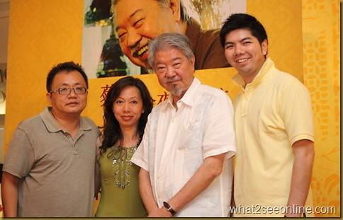 groupphotowithchualam-thumb