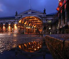 London Smithfield (david.bank (www.david-bank.com)) Tags: uk england london water architecture reflections puddle twilight market dusk meat bluehour kerb smithfield cityoflondon blauestunde theredpod