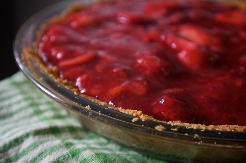 Strawberry Icebox Pie - Shutterbean