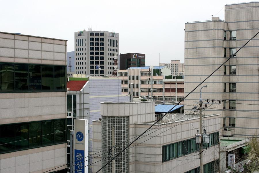 Institute & provincial govt building