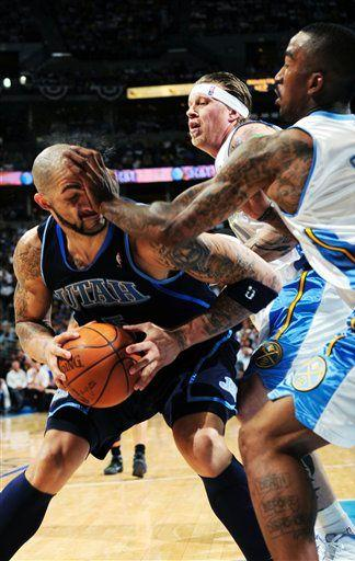 20100419-carlos-boozer-jr-smith