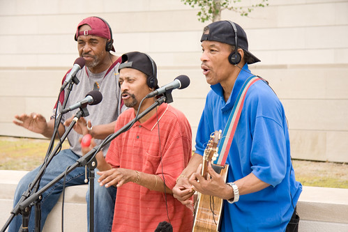ajkane_090821_chicago-street-musicians_360
