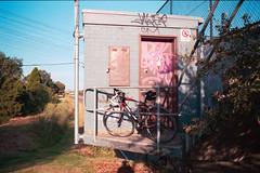 (faVori rouge) Tags: color film bike analog 200 vista epson konica af 135 agfa bianchi hexar v700