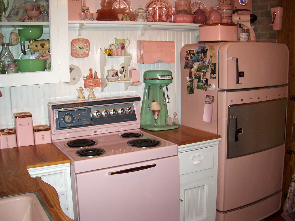 pretty in pink 1950s kitchen