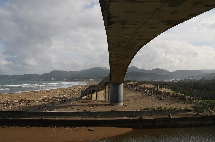金山水尾漁港員潭溪景觀橋0029
