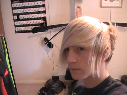 emo boys hair blonde. Blonde Emo Guy Hair 16.02.