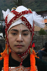 Dancer from Manipur (sensaos) Tags: portrait people india face festival sisters dance folk retrato traditional north performance culture dancer tribal porträt east seven tribes tradition tribe ethnic portret northeast ritratto 2009 hornbill cultural portre indigenous kohima nagaland famke noord meghalaya oost kisima 肖像画 traditioneel hornbillfestival sensaos stammencultuur