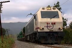 333.373 Monistrolet (eldelinux) Tags: train tren foto diesel railway via 333 prima freight r4 vía c4 renfe adif tolvas balasto balast mercancías mercaderies monistrolet 333373 tremuges