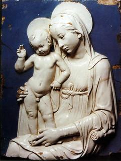 Andrea della Robbia, Madonna col Bambino, 1480. Firenze, Collezione Luzzetti