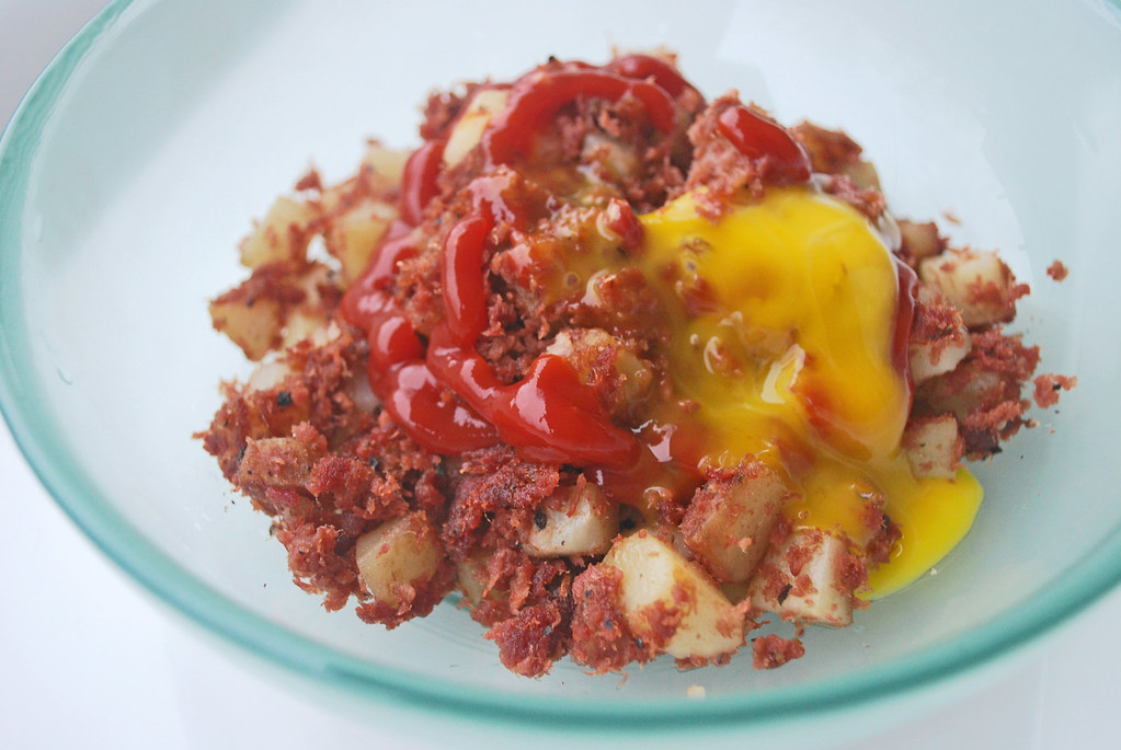 Corned-Beef-Hash-Egg-Runs