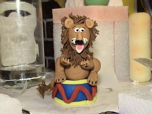 Fondant lion figurine