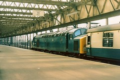 40025 on Manchester Victoria - 12th August, 1978 (Deadmans Handle) Tags: class40 40025