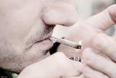 Fumar es un placer (Angel Valencia) Tags: llama manos flame lighter tobacco tabaco cigarro cigarrete cigarrillo porro mechero encender