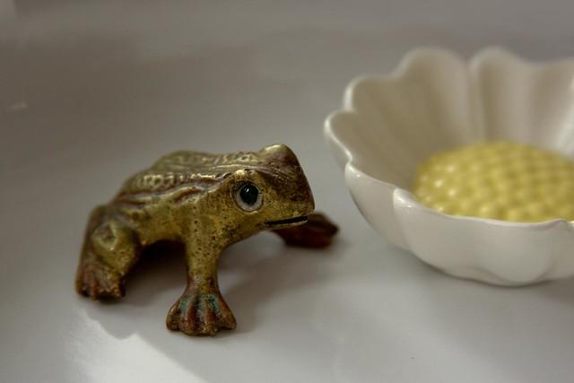 {18/365} brass frog