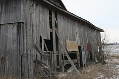 broken down old barn (kk7k) Tags: wood old winter light ohio usa color look barn canon landscape geotagged day barns ugly weathered 2010 miamicountyohio miamicountyoh jan2010 jan292010 29jan2010