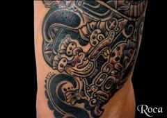 PIERNA CON DISEÑO MAYA 5 (roca tattoo studio) Tags: tattoo arte maya cultura tatuaje calendario azteca precolombino prehispanico