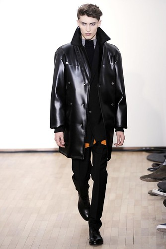Charlie France3161_FW10_Paris_Raf Simons(gsquared2@mh)