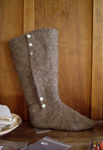 Felted boots: during.