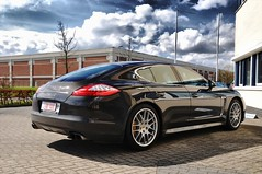 Porsche Panamera Turbo (Thomas van Rooij) Tags: street light sky black reflection car clouds photography nikon thomas air automotive turbo porsche lightning nikkor executive luxury v8 vr 18105 pccb d90 panamera fhdr rooij thomasvanrooij