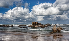 En la playa - In the beach - Explore (Azdoe.) Tags: sea sky espaa seascape film beach clouds canon reflections mar spain nikon rocks waves oleaje playa explore camel nubes epson olas santander camello 1740 rocas cantabria reflejos explored 40d rinconesdecantabria playadelcamello azdoe
