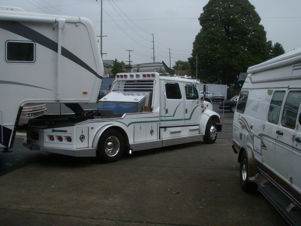 International 5th wheel RV