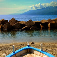 The Messina Strait (view from Calabria) (Osvaldo_Zoom) Tags: italy seascape beach landscape volcano boat seaside south sicily etna calabria noponte messinastrait nikond80 gallicomarina magicunicornverybest