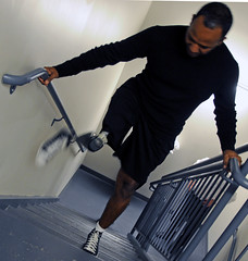 Patient at Walter Reed test next-generation prosthesis (The U.S. Army) Tags: stairs walking soldier washingtondc military leg prosthesis usarmy solider rehabilitation physicaltherapy woundedwarrior walterreedarmymedicalcenter militaryadvancedtrainingcenter x2microprocessorkneeprosthetic